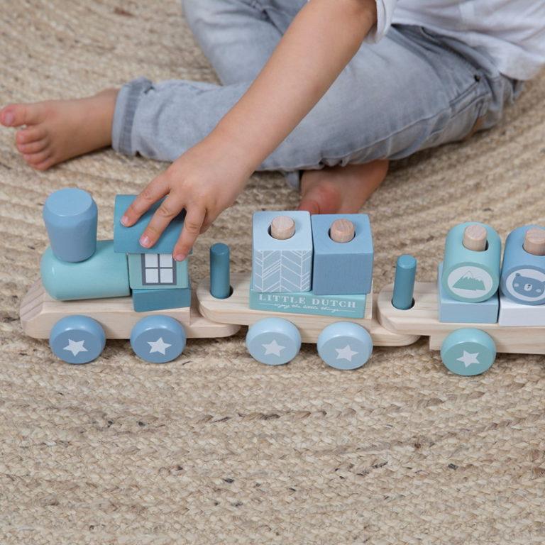 Trenulet din lemn