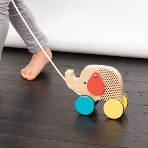 Jucarie din lemn cu roti pentru tras - Elefant - Petit Collage